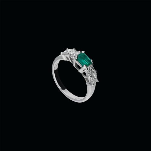 Anello in oro bianco 18 carati, smeraldo naturale e diamanti bianchi