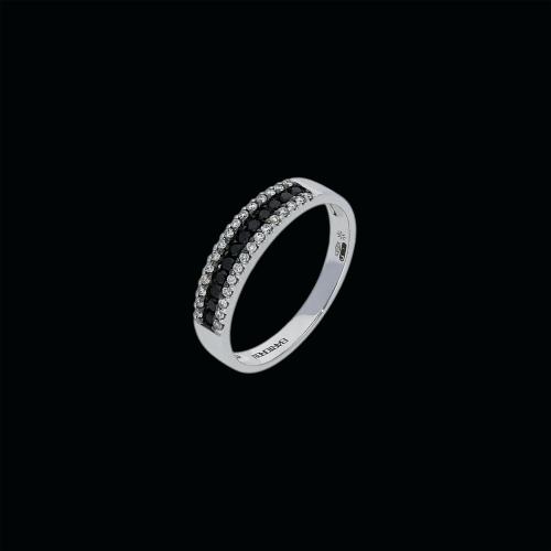 Anello in oro bianco 18 carati con diamanti bianchi e diamanti neri taglio brillante