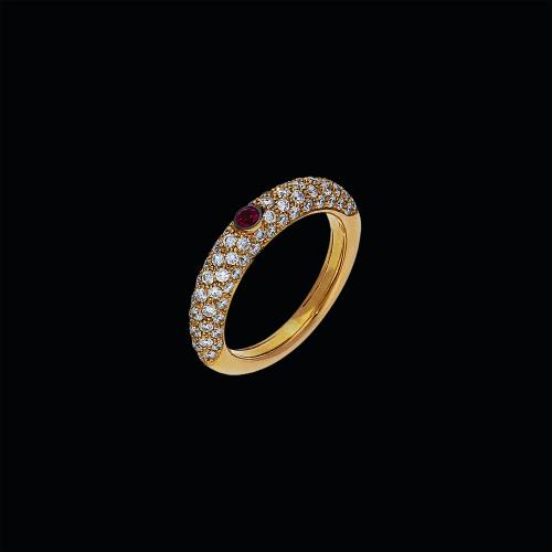 Anello in oro rosa 18 carati,diamanti bianchi e rubino naturale