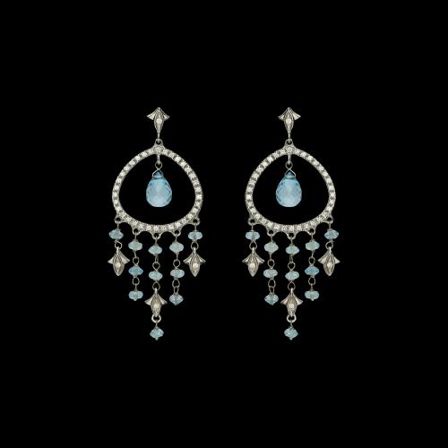 Orecchini oro bianco 18 carati con topazi azzurri e diamanti bianchi taglio brillante
