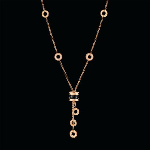 Collana B.zero1 in oro rosa 18 carati con ceramica nera e pavé di diamanti. Lunghezza 39-44 cm