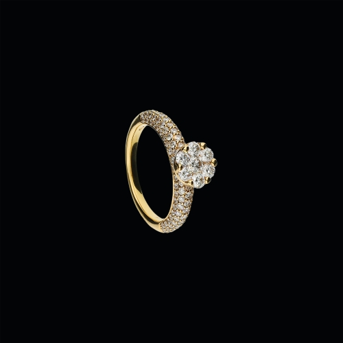 Anello in oro rosa 18 carati e diamanti bianchi taglio brillante