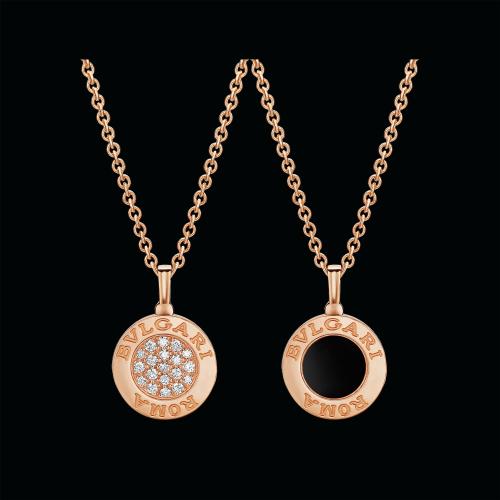 Collana BVLGARI BVLGARI in oro rosa 18 carati con onice e pavé di diamanti. Lunghezza 41-43 cm