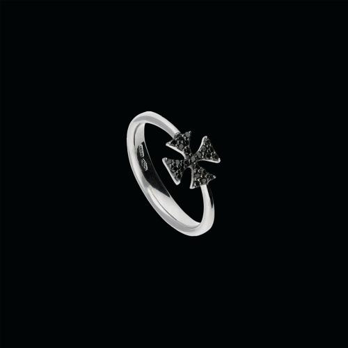 Croce - Anello in oro bianco 18 carati e diamanti neri taglio brillante