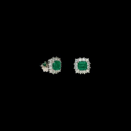 Orecchini in oro bianco 18 carati con diamanti bianchi taglio brillante e smeraldi naturali taglio princess