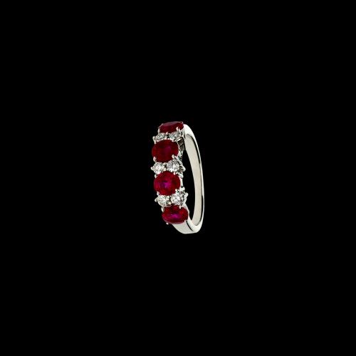 Anello in oro bianco 18 carati, rubuni naturali e diamanti bianchi taglio brillante