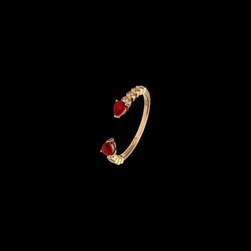 Anello in oro rosa 18 carati con rubini taglio goccia e diamanti taglio brillante