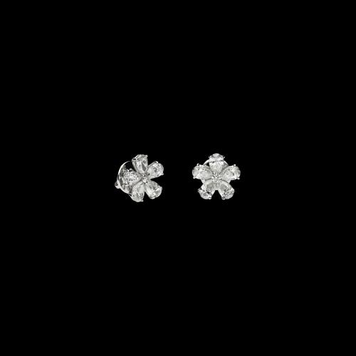 Orecchini a lobo in oro bianco con diamanti