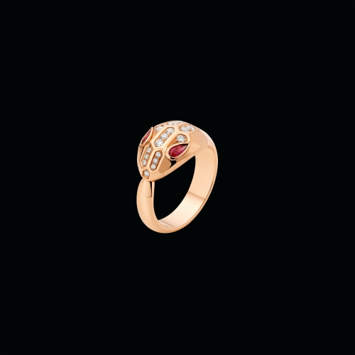Anello Serpenti in oro rosa, rubellite e semi-pavé di diamanti