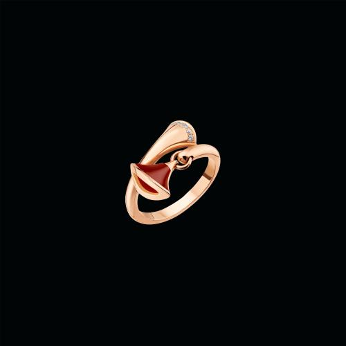 Anello DIVAS' DREAM in oro rosa 18 carati con corniola e pavé di diamanti