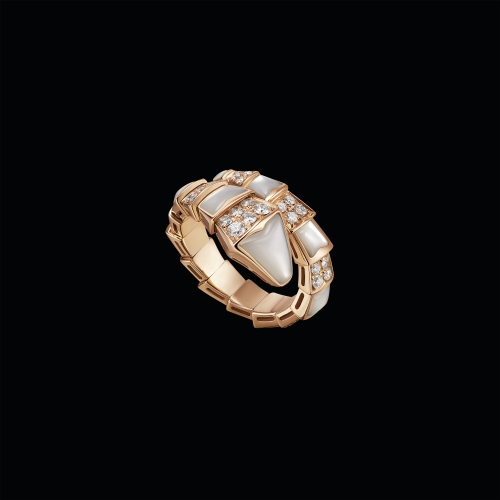 Anello Serpenti in oro rosa 18 carati  con madreperla e pavè di diamanti