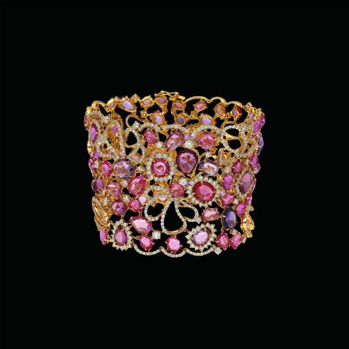 Bracciale in oro rosa 18 carati con diamanti e zaffiri rosa