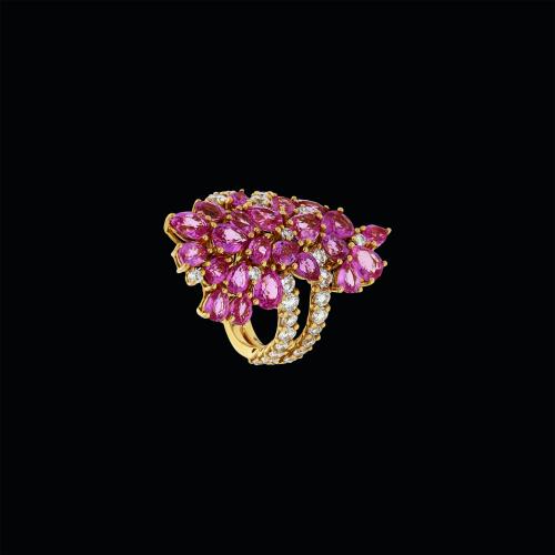 Anello in oro rosa 18 carati con diamanti e zaffiri rosa