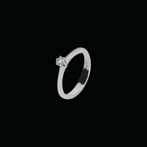 Anello solitario 18 carati e diamante bianco taglio brillante