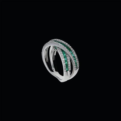 Anello in oro bianco 18 carati,diamanti bianchi e tsavoriti