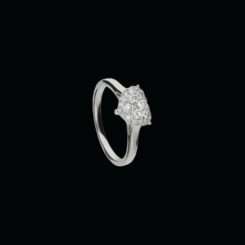 Anello in oro bianco 18 carati e diamanti bianco taglio brillante