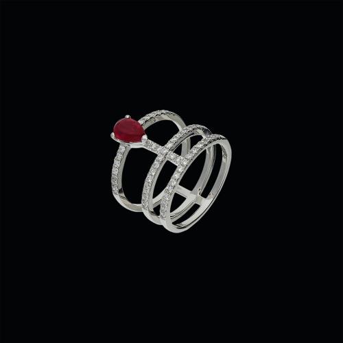 Anello in oro bianco 18 carati, rubino naturale e diamanti bianchi taglio brillante