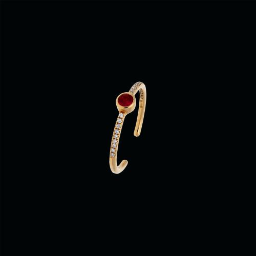 Anello in oro rosa 18 carati, rubino naturale e diamanti bianchi taglio brillante