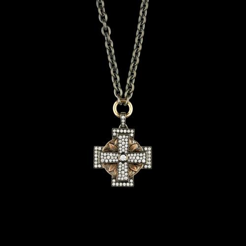Collana in argento nero con ciondolo croce in oro rosa e diamanti bianchi
