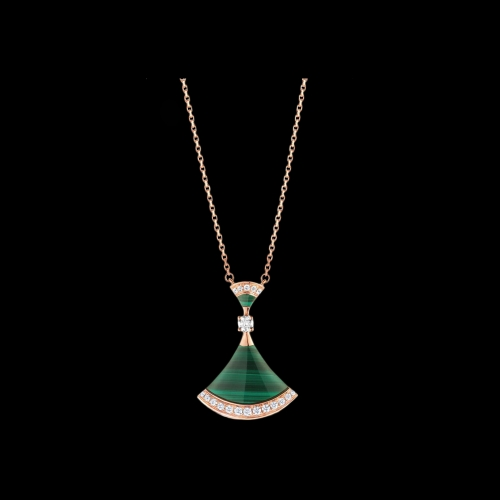 COLLANA DIVAS' DREAM IN ORO ROSA 18 KT CON MALACHITE E PAVE' DI DIAMANTI