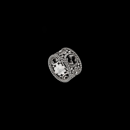 ANELLO GUCCI INTERLOCKING IN ARGENTO - YBC5772720010