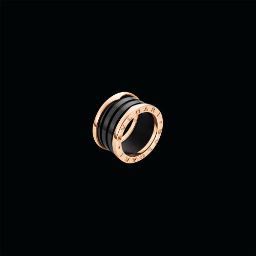 Anello B.zero1 a 4 fasce in oro rosa 18 carati e ceramica nera - AN855563