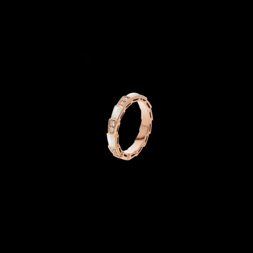 ANELLO SERPENTI VIPER IN ORO ROSA 18 KT CON MADREPERLA E PAVE' DI DIAMANTI - AN858042