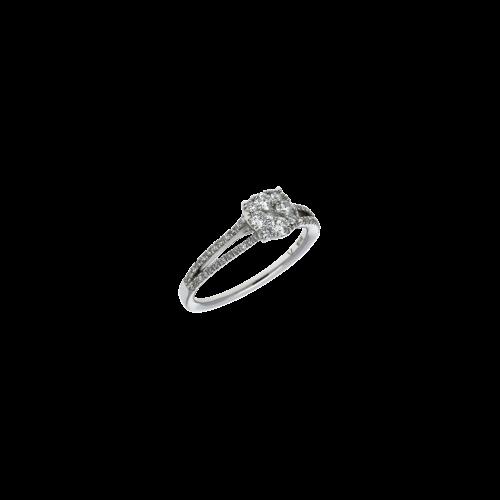 Anello in oro bianco 18 carati e diamanti taglio brillante