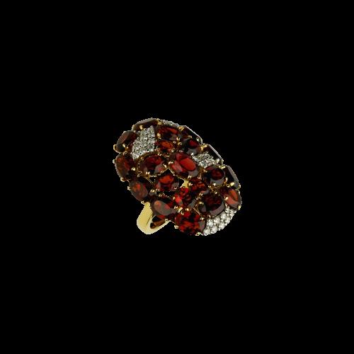 Anello in oro rosa 18 carati con granati e diamanti bianchi taglio brillante